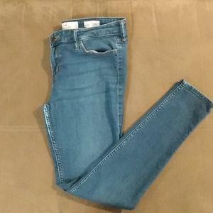 Hollister jeans size 11